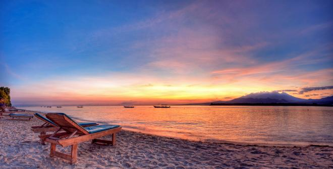 Gili air beach sunrise manta dive